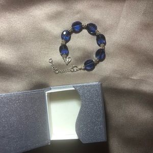 Jewelry - Beautiful blue glass-like adjustable bracelet!💙💙